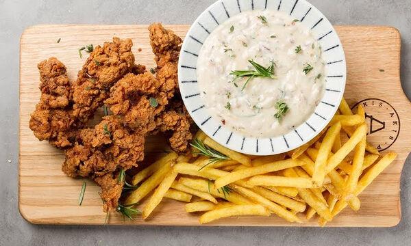 Άκης Πετρετζίκης: Συνταγή για το πιο νόστιμο και τραγανό κοτόπουλο