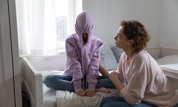 Γιατί η αποδοχή των γονιών είναι σημαντικό όπλο στην εφηβική ηλικία