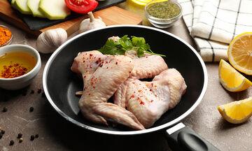 5+1 συνηθισμένα λάθη που κάνουμε όταν μαγειρεύουμε κοτόπουλο