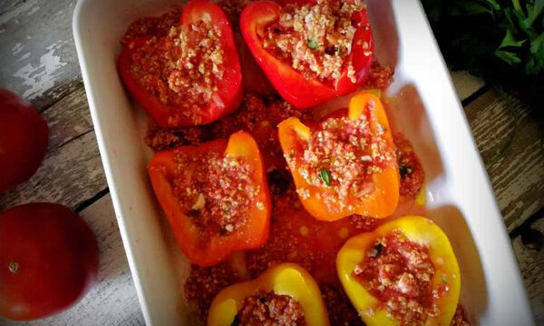 Γεμιστές πιπεριές με τραχανά - Μια διαφορετική συνταγή για γεμιστά