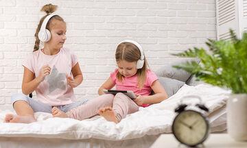 Γιατί τα παιδιά έχουν εμμονή με τα unboxing βίντεο στο YouTube;