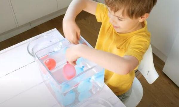 Εύκολα πειράματα με ζεστό και κρύο νερό που θα ενθουσιάσουν τα παιδιά