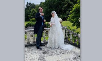 Ο εναλλακτικός πριγκιπικός γάμος και το παραμυθένιο νυφικό