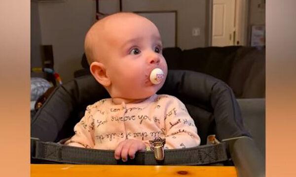 Όταν ο μπαμπάς παίζει με το μωρό - Απολαυστικό βίντεο που αξίζει να δείτε