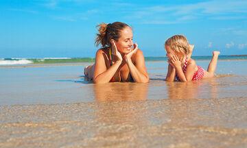 Στην παραλία με τα παιδιά: Ποιες είναι πιο καθαρές θάλασσες στην Αττική;