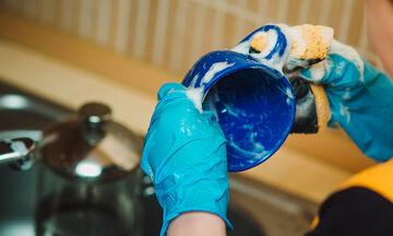 Απίστευτα καθαριστικά κόλπα που θα κάνουν το καθάρισμα στο σπίτι παιχνιδάκι