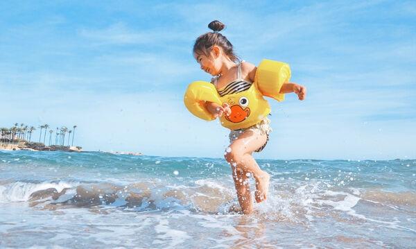 Καλοκαίρι, ήλιος και θάλασσα με τα παιδιά μου: Τρία «sos» για να είμαστε όλοι ασφαλείς
