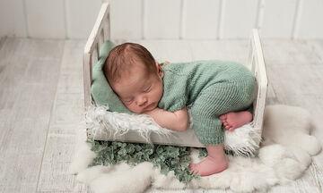 Τι ώρα πρέπει να κοιμάται το μωρό το βράδυ;