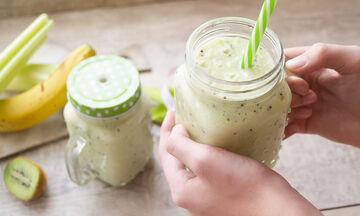 Νιώθεις πεσμένη; Αυτό το πράσινο smoothie θα σου φτιάξει τη διάθεση