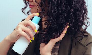 13 χρήσεις της λακ μαλλιών που θα σας εκπλήξουν (vid)