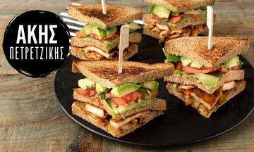 Άκης Πετρετζίκης: Vegetarian κλαμπ σάντουιτς για μικρούς και μεγάλους
