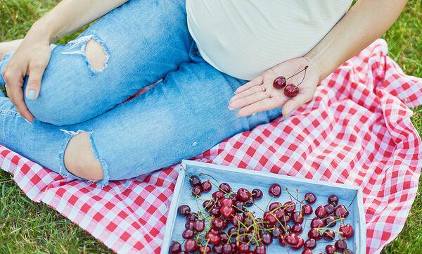 Εγκυμοσύνη και καλοκαίρι: Φρούτα που μπορείτε να καταναλώσετε άφοβα