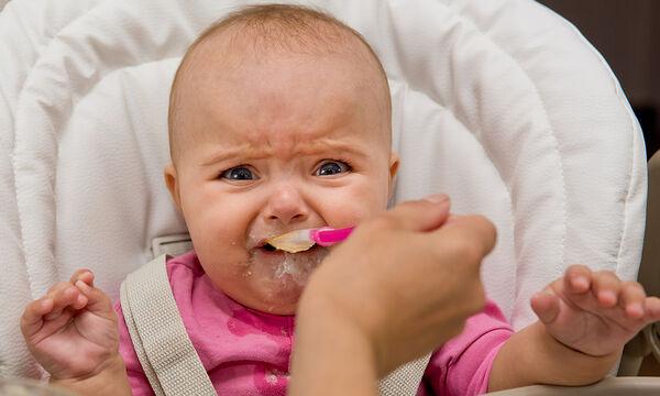 Παιδική δυσφαγία: Ποια είναι τα συμπτώματα και πώς αντιμετωπίζεται