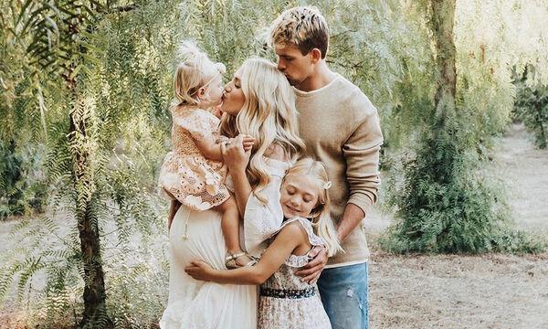 Η οικογένεια με τους εκατομμύρια followers & τις απίθανες αναρτήσεις (vid+pic)