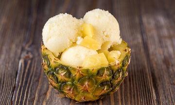 Άκης Πετρετζίκης: Σορμπέ ανανά – Απολαύστε το όλο το καλοκαίρι