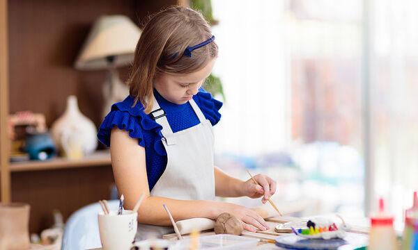 Πέντε κατασκευές με χάρτινα ποτήρια που μπορούν να φτιάξουν όλα τα παιδιά