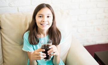 Αναψυκτικά και παιδιά: Πώς επηρεάζουν την υγεία τους