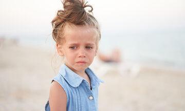 Αυτά τα λάθη γονιών βλάπτουν ψυχολογικά το παιδί