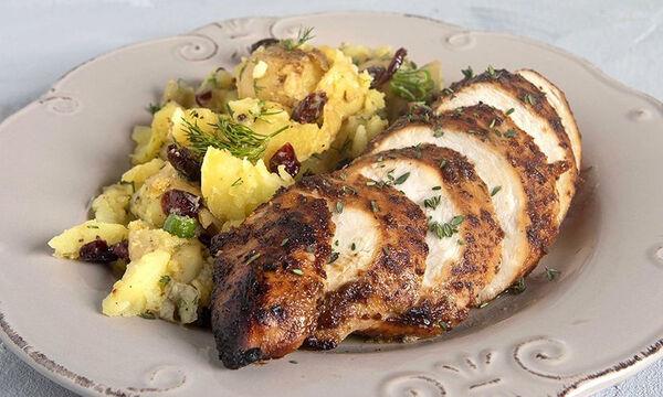 Ζουμερό γλυκόξινο κοτόπουλο στον φούρνο από τον Άκη Πετρετζίκη