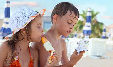 Φρούτα vs Παγωτό: Τι να επιλέξουμε για τα παιδιά;