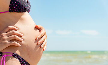 Εγκυμοσύνη και καλοκαίρι: Τι πρέπει να προσέχετε όταν ταξιδεύετε;