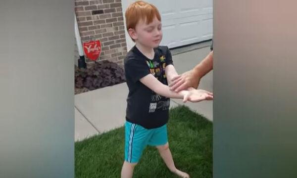Δε φαντάζεστε τι απέκτησε με τις οικονομίες του αυτό το 6χρονο αγοράκι