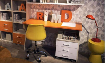 Μοντέρνα παιδικά γραφεία για μικρά και μεγάλα δωμάτια (vid)