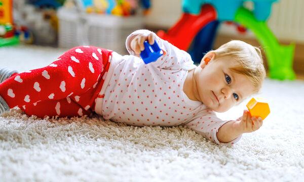 Αυτές είναι οι κινητικές δεξιότητες ενός μωρού δύο μηνών