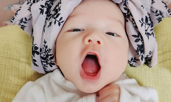 Μωράκια λένε τις πρώτες τους λέξεις και είναι απλά αξιολάτρευτα (vid)