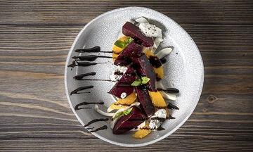 Νόστιμη σαλάτα με παντζάρια, φινόκιο και ρικότα από τον Άκη Πετρετζίκη
