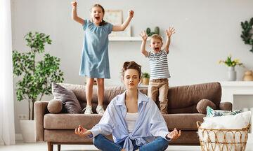 Μαθήματα Ζωής: Οδηγός ψυχικής επιβίωσης για κουρασμένους γονείς (vid)