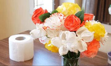 Χειροτεχνίες για παιδιά: Φτιάξτε 5 διαφορετικά λουλούδια με χαρτί υγείας