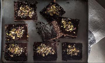 Ωμοφαγικά brownies: Μια εύκολη, γρήγορη και vegan συνταγή από τον Άκη