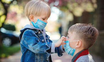 Ελληνική Παιδιατρική Εταιρεία: «Η χρήση μάσκας είναι απολύτως ασφαλής»