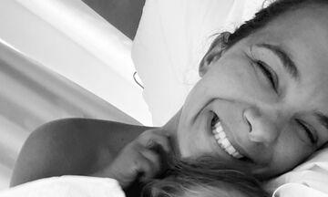 Ελιάνα Χρυσικοπούλου: Οι υπέροχες φωτογραφίες με την κόρη της στο κρεβάτι
