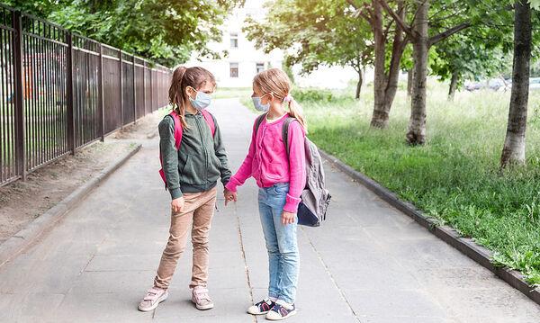 Κορονοϊός: Τα άγχη των γονέων για τη νέα σχολική χρονιά & ο φόβος έξαρσης