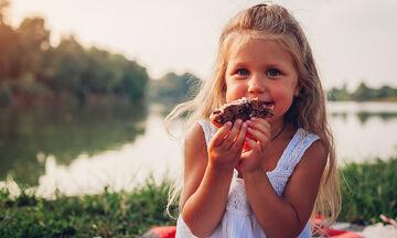 Διαφορετικοί τρόποι με τους οποίους τα παιδιά δείχνουν την αγάπη τους (vid)