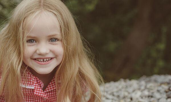 Πιτυρίδα στα παιδιά: Πού οφείλεται και πώς να την αντιμετωπίσετε