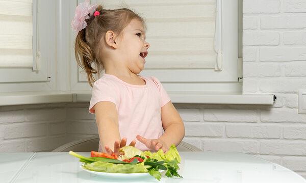 «Το παιδί μου λατρεύει τα φρούτα, αλλά μισεί τα λαχανικά – Τι να κάνω;»