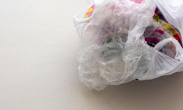 26 απίθανοι τρόποι να αξιοποιήσετε τις πλαστικές σακούλες (vid)