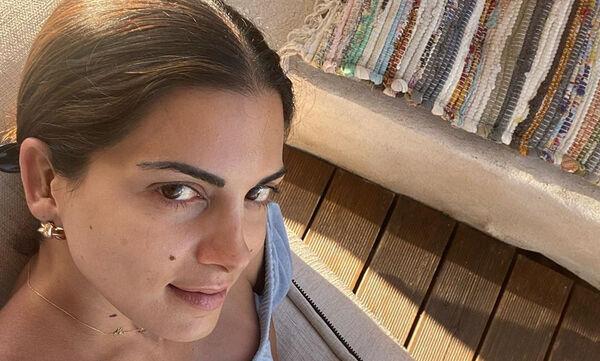 Σταματίνα Τσιμτσιλή:Πήγε με τις κόρες της να αγοράσει τα σχολικά της σεζόν