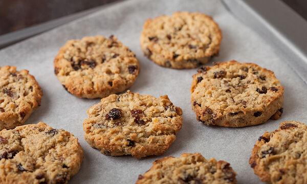 Μπισκότα με βρώμη και σταφίδες - Νόστιμο και υγιεινό κολατσιό για το σχολείο