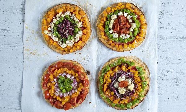 Πίτσα ουράνιο τόξο με λαχανικά από τον Άκη Πετρετζίκη