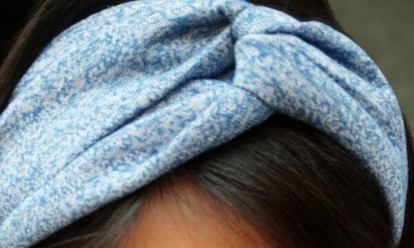 DIY - Φτιάξτε υπέροχες κορδέλες για τα μαλλιά αξιοποιώντας παλιές μπλούζες
