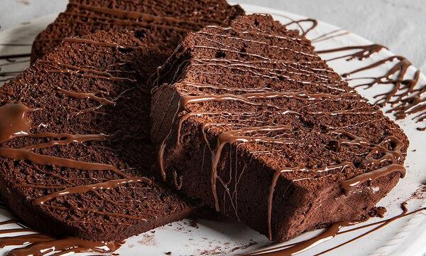 Το τέλειο κέικ σοκολάτας από τον Άκη Πετρετζίκη