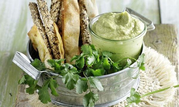Αβοκαντέζα: Η τέλεια συνταγή του Άκη για μαγιονέζα από αβοκάντο