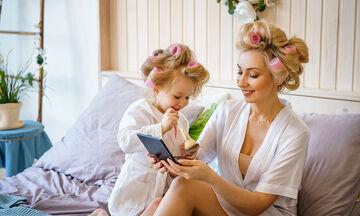 Τα καλύτερα beauty hacks για μαμάδες με βρεφικά προϊόντα