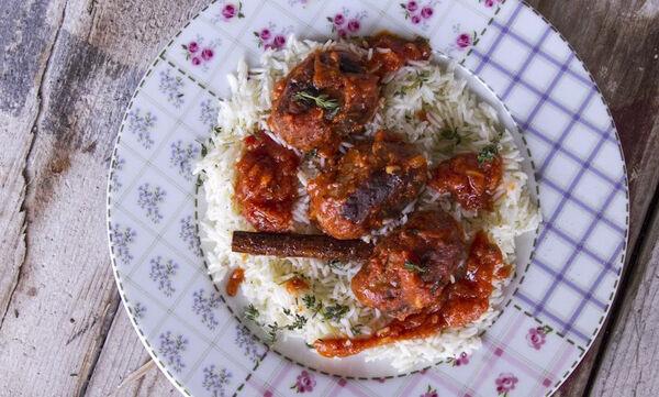 Άκης Πετρετζίκης: Συνταγή για αυθεντικά σουτζουκάκια