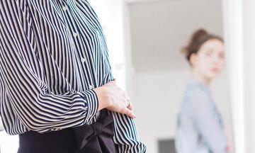 Εννέα τρόποι να φορέσει μια μαμά ένα κλασικό πουκάμισο το φθινόπωρο