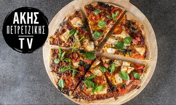 Σπιτική BBQ πίτσα με κοτόπουλο από τον Άκη Πετρετζίκη